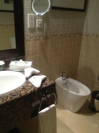 Jumeirah Beach Residence: Bathroom 2 