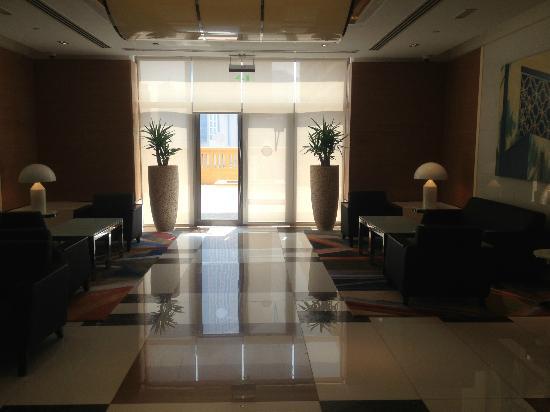 Jumeirah Beach Residence: Lobby 2