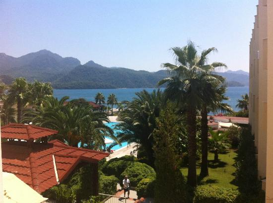 Marmaris Resort & SPA: the view from the corridor next to the elevators