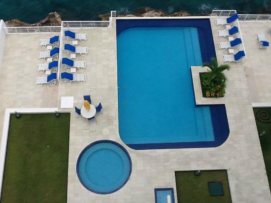 Nah Ha Condominiums: Condo Pool