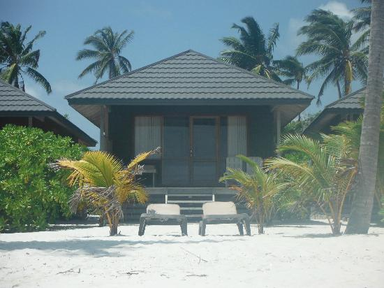 Kuredu Island O Resort Outside View Of Beach Villa Bungalow