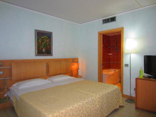 Marina Palace Hotel & Congress Hall: Camera