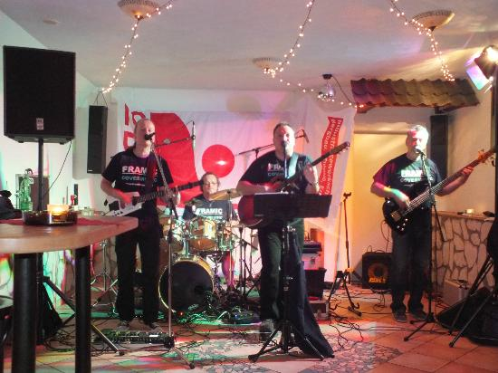 Bierenbacher Hof: Live-Musik in der Tanzbar