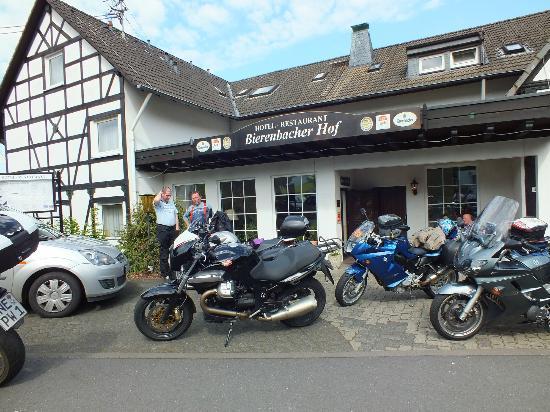 Bierenbacher Hof: Aussenansicht