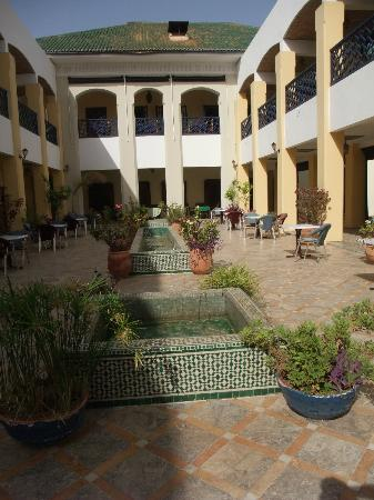 Hotel Batha : Main terrace of the hotel
