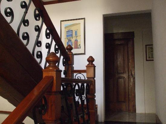 Villa Bronja: Sbarco fra il piano terra e il primo piano