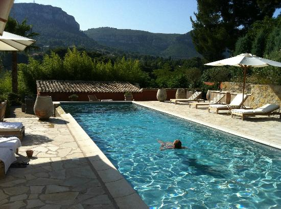 Maison 9 : Pool with my lovely wife!