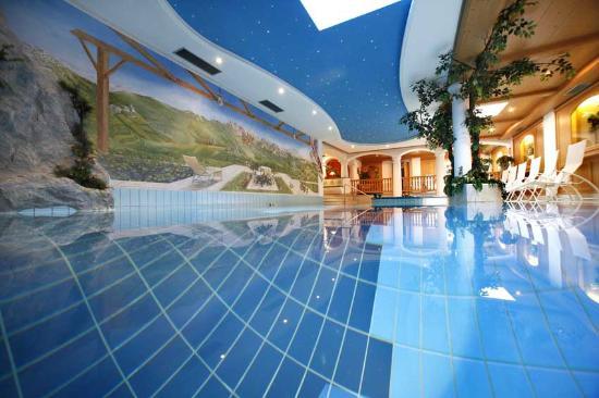 Wellness Residence Villa Leck: piscina Schwimmbad swimming pool