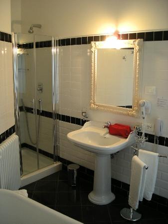 Hotel Corsignano - Pienza: Bagno con doccia