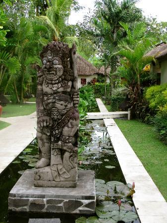Belmond Jimbaran Puri: Hotel Grounds