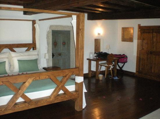 Pri Lenart Hotel: Bed in Blegos