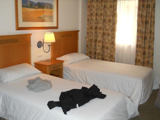 Masa Hotel Almirante: Stanza
