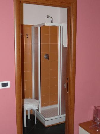 Hotel Lavagnese: doccia