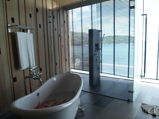Impiana Private Villas Kata Noi: Honeymoon suite - bathroom