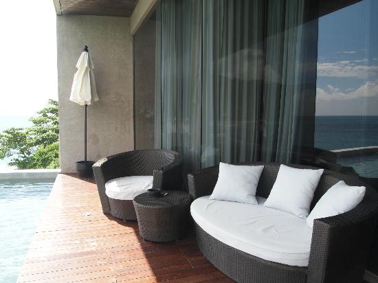 อิมเพียน่าไพรเวทวิลล่า กะตะน้อย: Honeymoon suite outdoor