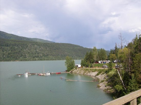 Kinbasket Lake Resort 사진