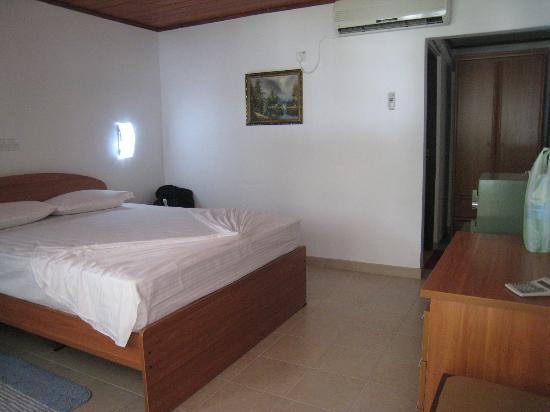 Ranga Holiday Inn : room