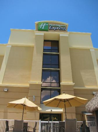 Holiday Inn Express Cape Coral/Fort Myers Area: Quiet and friendly