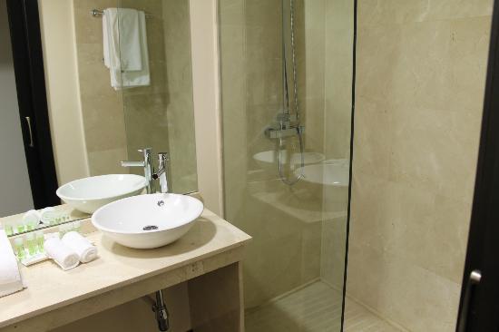 Hotel Paloma: Baño