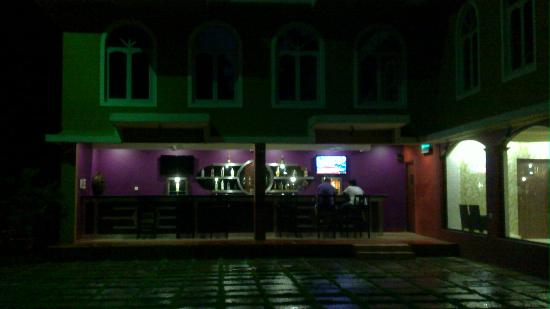 Goa - Villagio, A Sterling Holidays Resort: bar at night