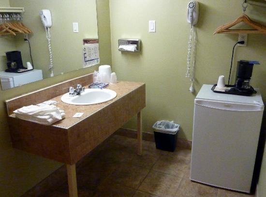 Hotel Le Voyageur: la baignoire et wc séparés
