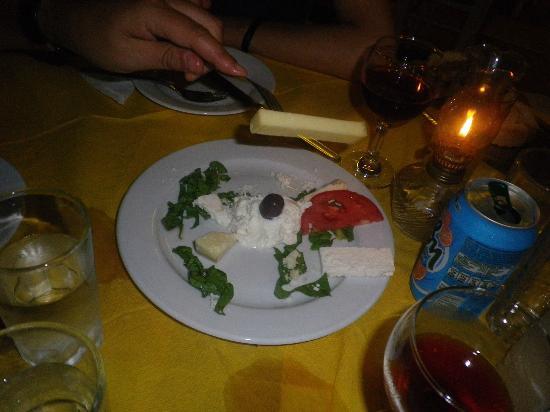 Nikos Restaurant: naxos cheese