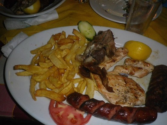 Nikos Restaurant: mix grill