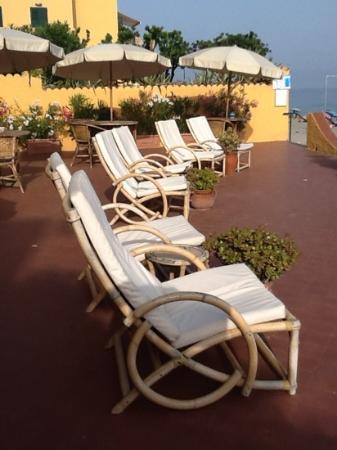 Hotel Riviera Miramare: bellisimo dehors sul mare