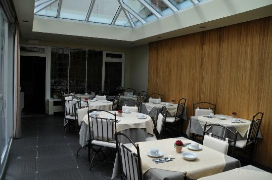 Anselmus Hotel: The breakfast dining area