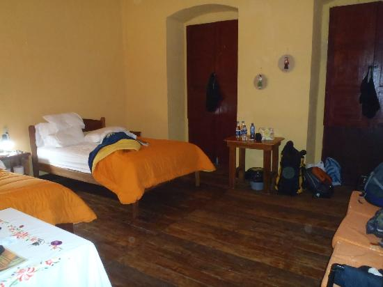 Jumbo Lodging: 2 double beds-large room