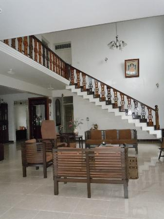 Devagiri Retreat: living room