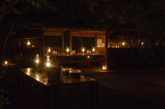 Mosetlha Bush Camp & Eco Lodge: The Dinner Table at Night