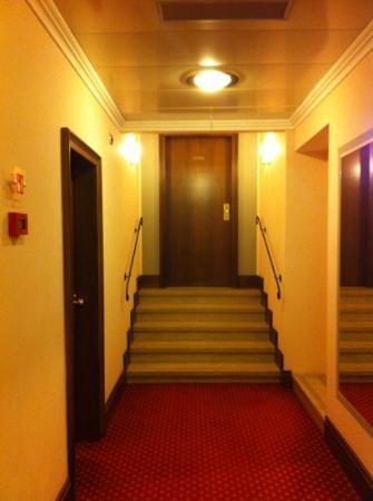 Accademia Hotel: la entrada a la habitación de lunamieleros