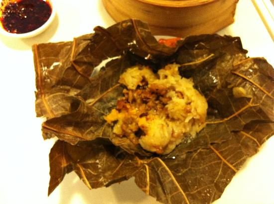 Old Hong Kong Tea House: Lotus leave glutinuous rice~