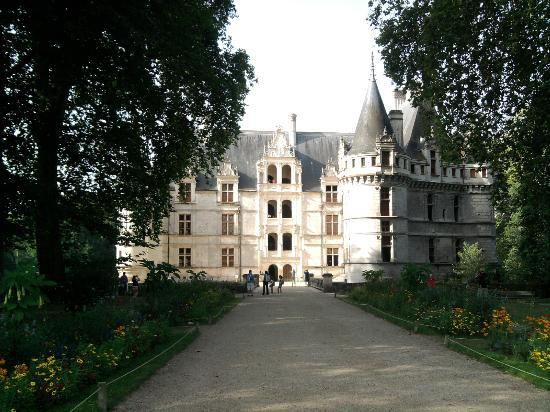 Le ch teau de face picture of chateau of azay le rideau azay le rideau tripadvisor - Visite chateau azay le rideau ...