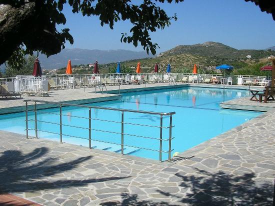Mykali Hotel: Piscina