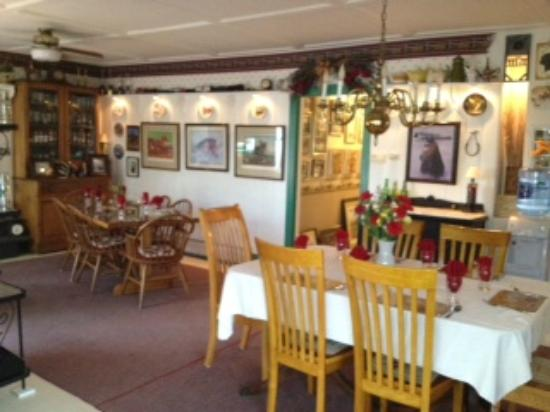 Harren Brook Inn and Lodge: Harren Brook Inn Breakfast Room