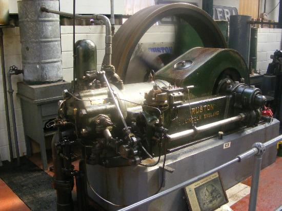 Cheshire, UK: Ruston Oil Engine
