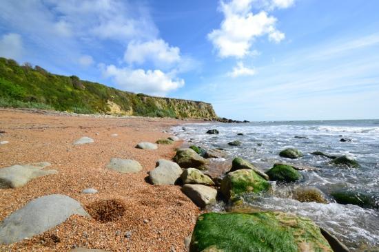 Cornerways Ventnor: Stay on the popular sandy beaches or... find somewhere quieter just around the corner!