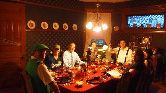 Franklin Victorian Bed & Breakfast: The game didn't 'end' in dinner, we still were in character
