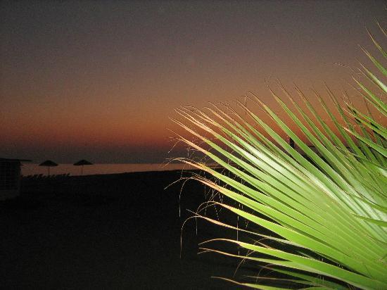 Sun Queen Beach Hotel: Закат