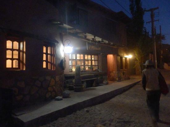 Antigua Tilcara B&B: vista nocturna del hostel