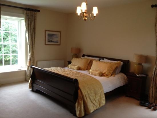 Kilmahon House: our delightful room in Kilmahon 