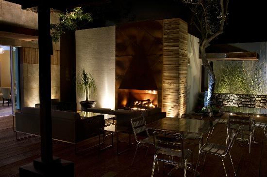 Sano's Steak House: terraza