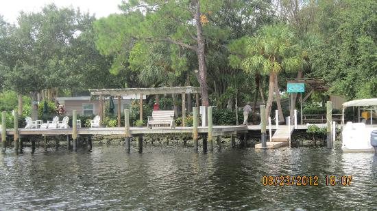 ‪‪Pirates Pointe Resort‬: View of resort from Little Manatee River‬