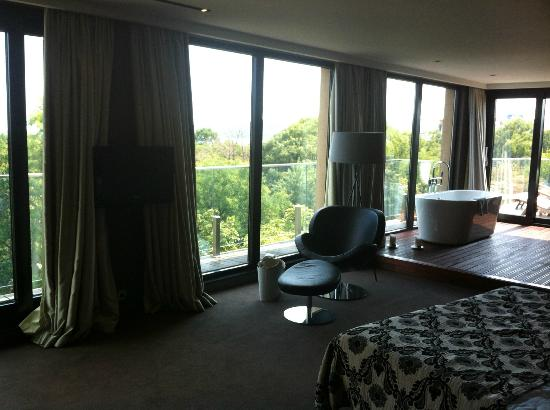 mOdus Hotel: Apartment suite and view