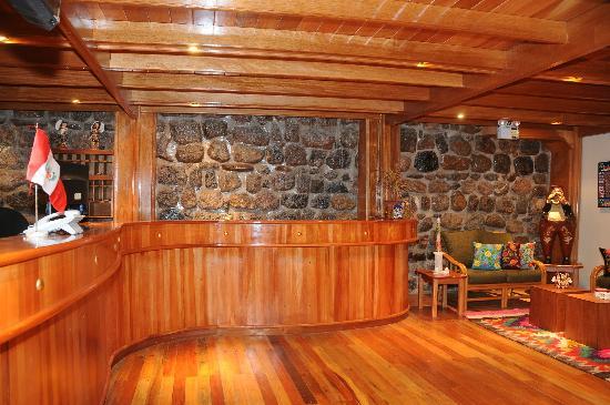 Don Bosco Hotel: Recepción