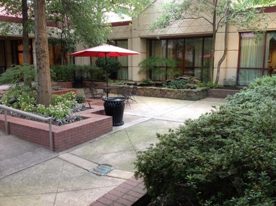 Crowne Plaza Memphis East: la terrasse