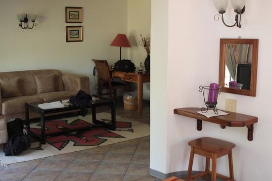 Casa Blanca Hotel: un angolo della camera