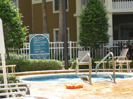 Wyndham Cypress Palms: Hot tub